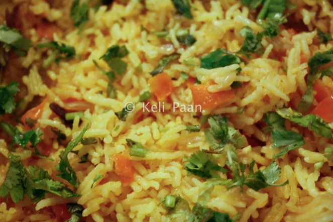 Garnish with some chopped coriander leaves
