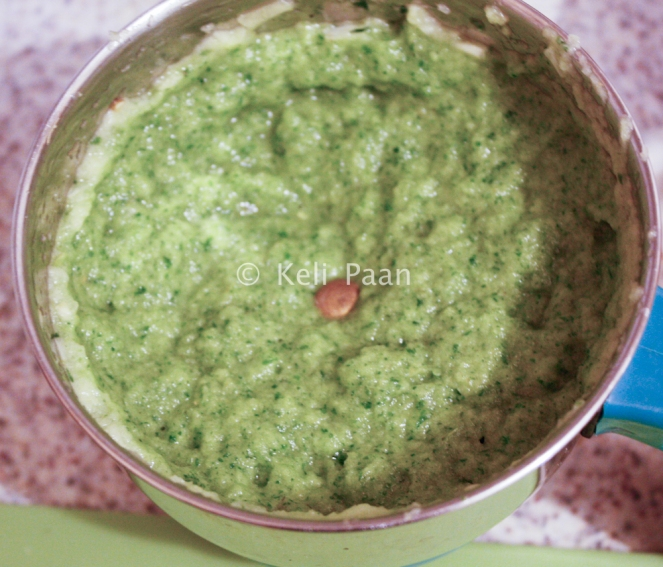 Fresh paste of mint, coriander, garlic, ginger, green chilli's