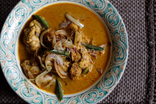 Kori Ghassi/Mangalorean style chicken curry..
