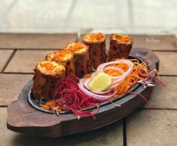 Cheese & Vegetables stuffed Tandoori Aloo..